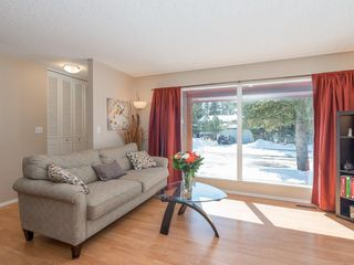 Photo 4: 6912 SILVERVIEW Road NW in Calgary: Silver Springs House for sale : MLS®# C4173709