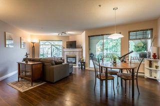 "Photo 2: 215 20894 57 Avenue in Langley: Langley City Condo for sale in ""BAYBERRY LANE"" : MLS®# R2254851"