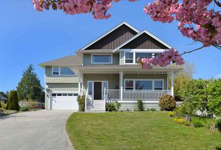 Main Photo: 4797 TAMARACK Place in Sechelt: Sechelt District House for sale (Sunshine Coast)  : MLS®# R2262210