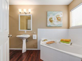 "Photo 15: 3 1552 EVERALL Street: White Rock Townhouse for sale in ""EVERALL COURT"" (South Surrey White Rock)  : MLS®# R2265782"
