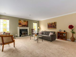"Photo 3: 3 1552 EVERALL Street: White Rock Townhouse for sale in ""EVERALL COURT"" (South Surrey White Rock)  : MLS®# R2265782"