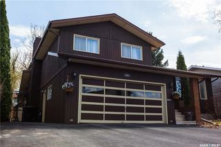 Photo 2: 207 OBrien Crescent in Saskatoon: Silverwood Heights Residential for sale : MLS®# SK731146