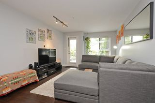 Photo 3: 103 2191 SHAUGHNESSY Street in Port Coquitlam: Central Pt Coquitlam Condo for sale : MLS®# R2280890