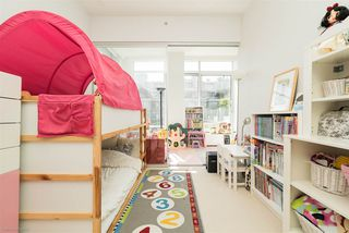 "Photo 11: 601 1633 ONTARIO Street in Vancouver: False Creek Condo for sale in ""KAYAK BUILDING"" (Vancouver West)  : MLS®# R2286705"