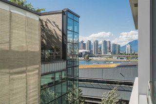 "Photo 9: 601 1633 ONTARIO Street in Vancouver: False Creek Condo for sale in ""KAYAK BUILDING"" (Vancouver West)  : MLS®# R2286705"