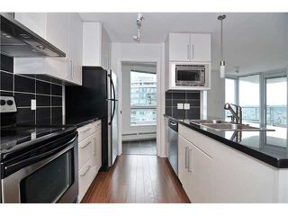 "Photo 4: 3006 188 KEEFER Place in Vancouver: Downtown VW Condo for sale in ""ESPANA"" (Vancouver West)  : MLS®# R2290046"