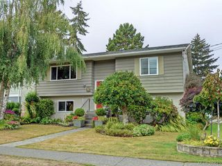 Main Photo: 10194 Third Street in SIDNEY: Si Sidney North-East Single Family Detached for sale (Sidney)  : MLS®# 399645