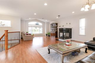 Photo 3: 816 LILLIAN Street in Coquitlam: Harbour Chines House for sale : MLS®# R2321039