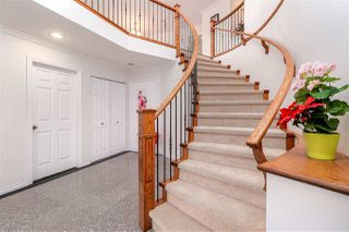 Photo 2: 816 LILLIAN Street in Coquitlam: Harbour Chines House for sale : MLS®# R2321039