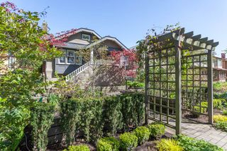 Main Photo: 667 W 17TH Avenue in Vancouver: Cambie House for sale (Vancouver West)  : MLS®# R2341461