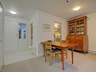 "Photo 11: 104 988 W 16TH Avenue in Vancouver: Cambie Condo for sale in ""THE OAKS"" (Vancouver West)  : MLS®# R2344280"