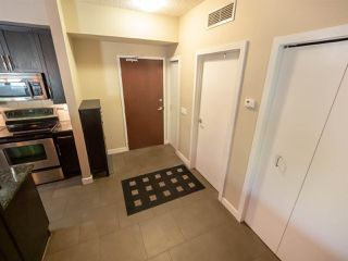 Photo 3: 210 9750 94 Street in Edmonton: Zone 18 Condo for sale : MLS®# E4151117