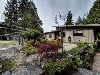 Photo 1: 5687 RUTHERFORD Road in Halfmoon Bay: Halfmn Bay Secret Cv Redroofs House for sale (Sunshine Coast)  : MLS®# R2363253