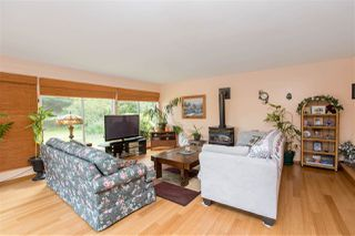Photo 2: 1093 ROSAMUND Road in Gibsons: Gibsons & Area House for sale (Sunshine Coast)  : MLS®# R2363349