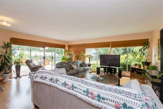 Photo 3: 1093 ROSAMUND Road in Gibsons: Gibsons & Area House for sale (Sunshine Coast)  : MLS®# R2363349