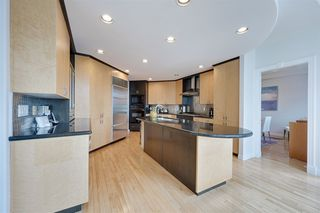 Photo 6: 441 BUTCHART Drive in Edmonton: Zone 14 House for sale : MLS®# E4156348