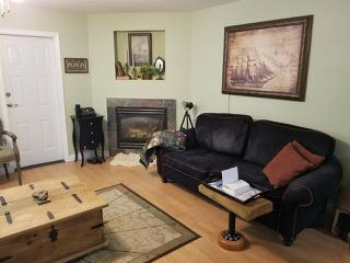 Photo 2: 5664 TRIDENT Avenue in Sechelt: Sechelt District House for sale (Sunshine Coast)  : MLS®# R2370476