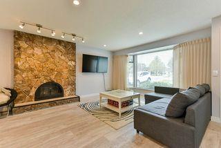 "Photo 2: 15062 20 Avenue in Surrey: Sunnyside Park Surrey House for sale in ""SUNNYSIDE PARK SURREY"" (South Surrey White Rock)  : MLS®# R2373461"