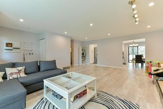 "Photo 3: 15062 20 Avenue in Surrey: Sunnyside Park Surrey House for sale in ""SUNNYSIDE PARK SURREY"" (South Surrey White Rock)  : MLS®# R2373461"
