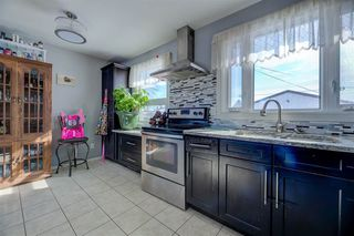 Photo 2: 7203 136 Avenue in Edmonton: Zone 02 House for sale : MLS®# E4159004