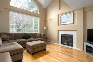 Photo 3: 1 FOXWOOD Court in Port Moody: Heritage Mountain House for sale : MLS®# R2375481