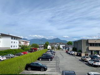 """Photo 2: 216 9186 EDWARD Street in Chilliwack: Chilliwack W Young-Well Condo for sale in """"ROSEWOOD GARDENS"""" : MLS®# R2377390"""