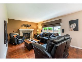 Photo 11: 8964 207 Street in Langley: Walnut Grove House for sale : MLS®# R2385881