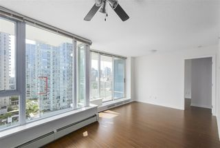 "Photo 6: 2007 188 KEEFER Place in Vancouver: Downtown VW Condo for sale in ""ESPANA 2"" (Vancouver West)  : MLS®# R2389151"