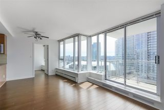 "Photo 7: 2007 188 KEEFER Place in Vancouver: Downtown VW Condo for sale in ""ESPANA 2"" (Vancouver West)  : MLS®# R2389151"