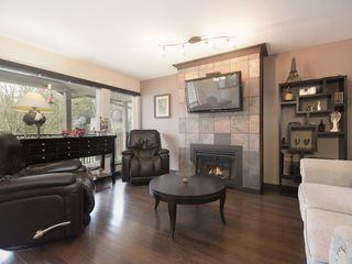 "Photo 2: 52 11737 236 Street in Maple Ridge: Cottonwood MR Townhouse for sale in ""MAPLE WOOD CREEK"" : MLS®# R2439529"