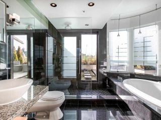 "Photo 18: 1003 1438 W 7TH Avenue in Vancouver: Fairview VW Condo for sale in ""DIAMOND ROBINSON"" (Vancouver West)  : MLS®# R2445837"