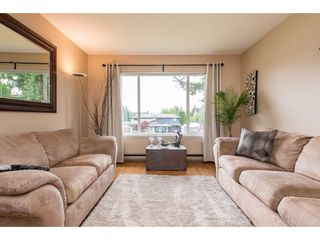 Photo 4: 2731 SANDON Drive in Abbotsford: Abbotsford East 1/2 Duplex for sale : MLS®# R2465011