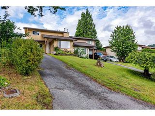 Photo 1: 2731 SANDON Drive in Abbotsford: Abbotsford East 1/2 Duplex for sale : MLS®# R2465011