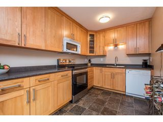 Photo 10: 2731 SANDON Drive in Abbotsford: Abbotsford East 1/2 Duplex for sale : MLS®# R2465011