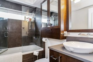 """Photo 13: 201 2252 W 5TH Avenue in Vancouver: Kitsilano Townhouse for sale in """"TIBURON"""" (Vancouver West)  : MLS®# R2476153"""