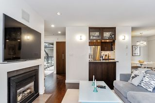 """Photo 5: 201 2252 W 5TH Avenue in Vancouver: Kitsilano Townhouse for sale in """"TIBURON"""" (Vancouver West)  : MLS®# R2476153"""