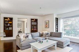 """Photo 6: 201 2252 W 5TH Avenue in Vancouver: Kitsilano Townhouse for sale in """"TIBURON"""" (Vancouver West)  : MLS®# R2476153"""