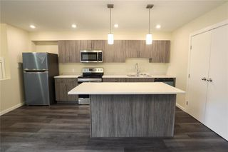 Photo 4: 944 Weatherdon Avenue in Winnipeg: Crescentwood Residential for sale (1Bw)  : MLS®# 202022490