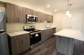 Photo 5: 944 Weatherdon Avenue in Winnipeg: Crescentwood Residential for sale (1Bw)  : MLS®# 202022490