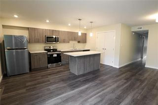 Photo 3: 944 Weatherdon Avenue in Winnipeg: Crescentwood Residential for sale (1Bw)  : MLS®# 202022490