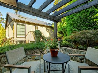 Photo 32: 2003 Runnymede Ave in : Vi Fairfield East House for sale (Victoria)  : MLS®# 853915