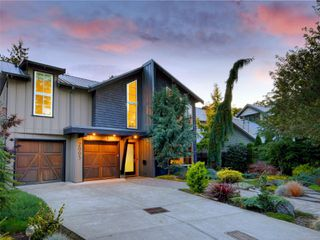 Photo 49: 2003 Runnymede Ave in : Vi Fairfield East House for sale (Victoria)  : MLS®# 853915