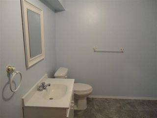 Photo 10: 9940 178 Avenue in Edmonton: Zone 27 House Half Duplex for sale : MLS®# E4214850