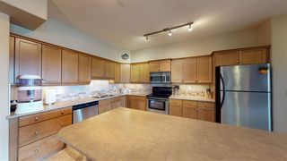 Photo 2: 405 1406 HODGSON Way in Edmonton: Zone 14 Condo for sale : MLS®# E4219584
