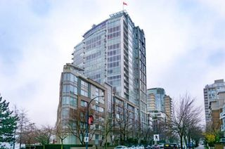 Main Photo: 1905-1228 Marinaside Cres in Vancouver: Yaletown Condo for rent