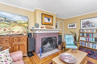 Photo 4: 2841 Dewdney Ave in : OB Estevan House for sale (Oak Bay)  : MLS®# 861557