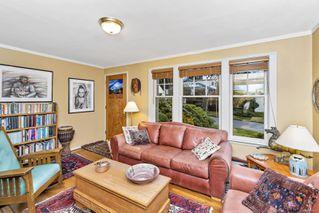 Photo 3: 2841 Dewdney Ave in : OB Estevan House for sale (Oak Bay)  : MLS®# 861557