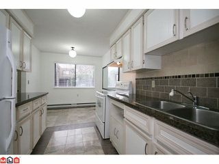 Photo 6: 256 9452 PRINCE CHARLES Boulevard in Surrey: Queen Mary Park Surrey Townhouse for sale : MLS®# F1104338