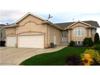 Photo 2: 879 Manor Bay: Martensville Single Family Dwelling for sale (Saskatoon NW)  : MLS®# 403705