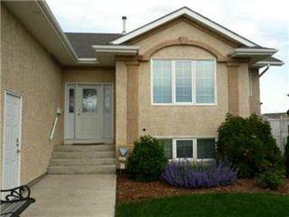 Photo 3: 879 Manor Bay: Martensville Single Family Dwelling for sale (Saskatoon NW)  : MLS®# 403705